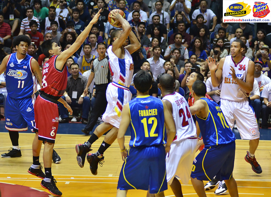 jc-intal-vs-derrick-rose