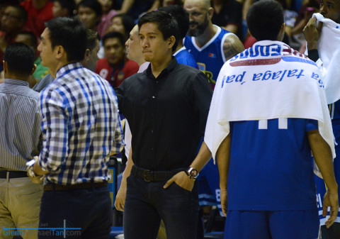 James Yap injured