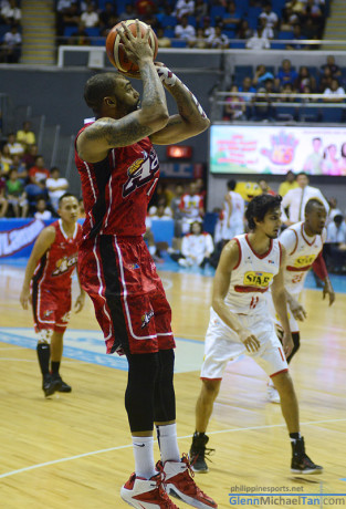 Romeo Travis vs Purefoods